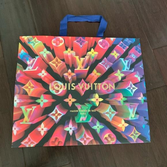 Louis Vuitton Accessories - Louis Vuitton holiday paper bag